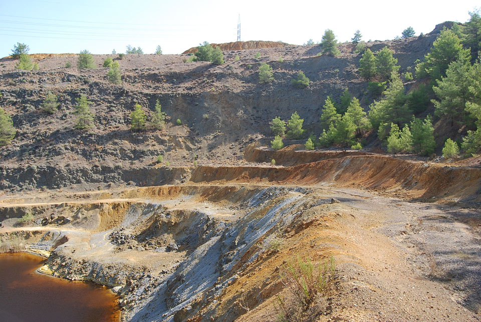N. Mathiatis – Southern face of open pit with massive sulphide remnant ore